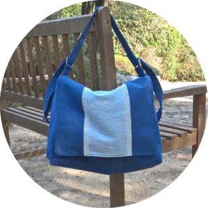 Gran sac bandoulière bleu, léger en bachette de coton
