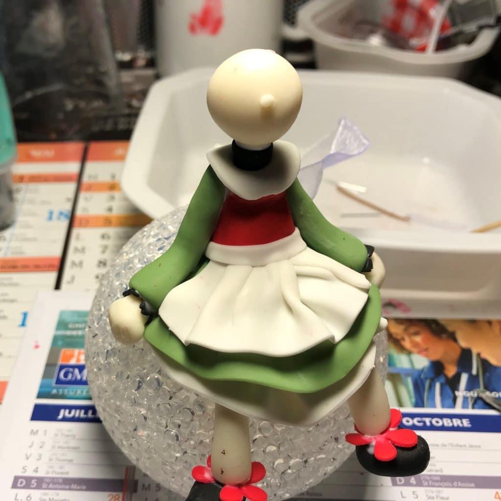 Bécassine assise sur sa lampe, modeler en porcelaine froide