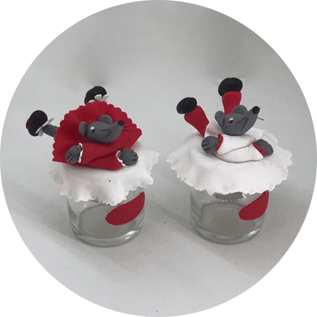 Boite à dents, décorées avec des souris modeler en porcelaine froide