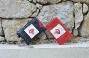 Portefeuille rouge et noir; signification des couleurs