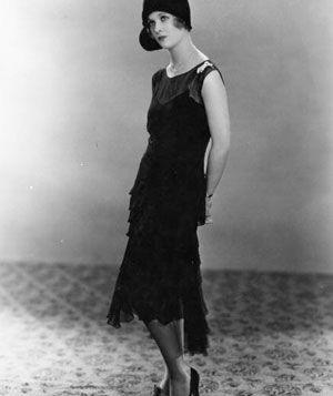 La couleur noire et sa signification : l'élégance. Petite robe noir Chanel