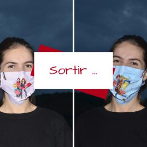 Billet de Lilie, Sortir, femme avec un masque en tissu rose, et femme avec un masque en tissu bleu