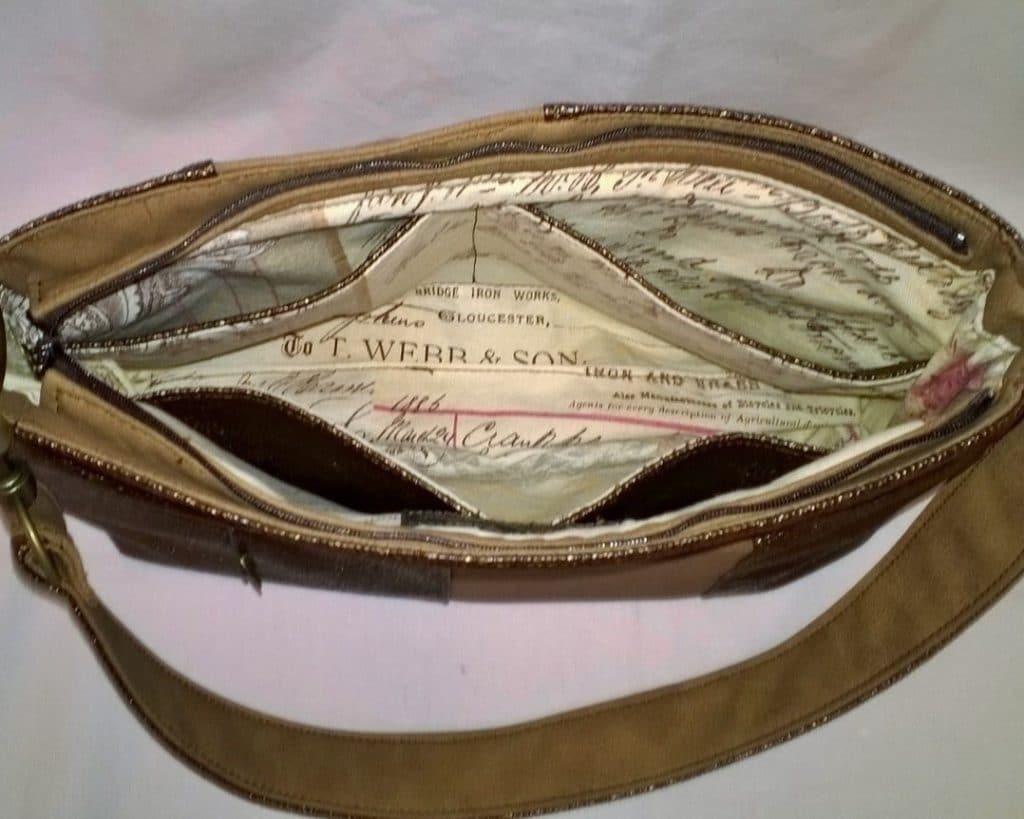 Intérieur de sac à main beige, mes 3 plus belles réussites sur le Web