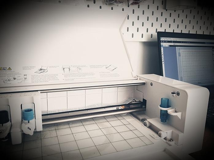 Machine à découper et imprimer sur du tissu pour faire des prote-clés et bijoux